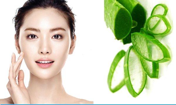 Tinh chất lô hội dùng để massage mặt và tẩy trang rất hiệu quả