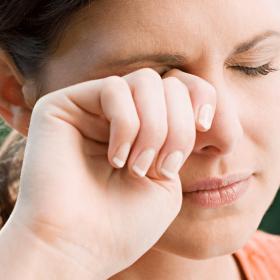 Điểm mặt chỉ tên 5 nguyên nhân gây nhăn da vùng mắt mọi người dễ mắc phải