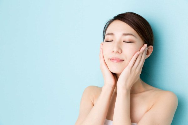 Chị em thi nhau áp dụng cách làm mờ vết nhăn hiệu quả bằng massage tại nhà