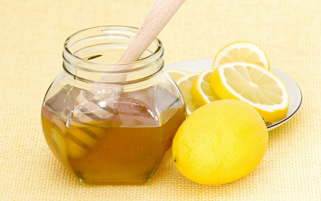 Uống nước chanh và mật ong