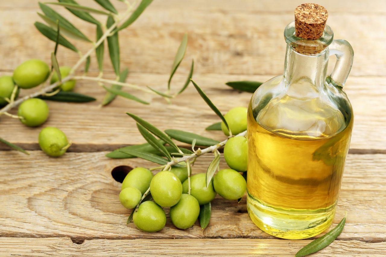 trẻ hóa da mặt bằng dầu oliu