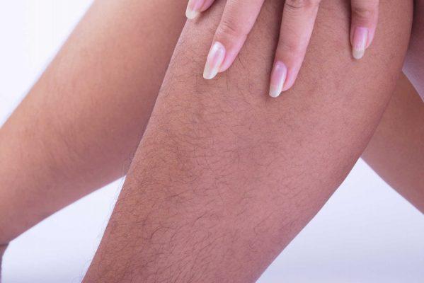 dùng nhíp triệt lông chân an toàn, ai ngờ rước họa vào thân