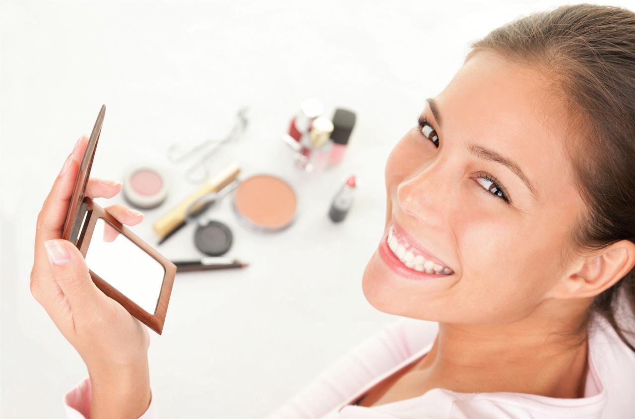 Cách duy trì làn da trẻ đẹp bằng cách Không nên trang điểm trong vòng 1-2 ngày sau điều trị thẩm mỹ công nghệ cao