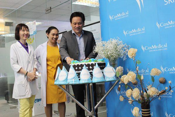 Hân hoan thân mật tiệc sinh nhật tại trung tâm thẩm mỹ CosMedical Clinic