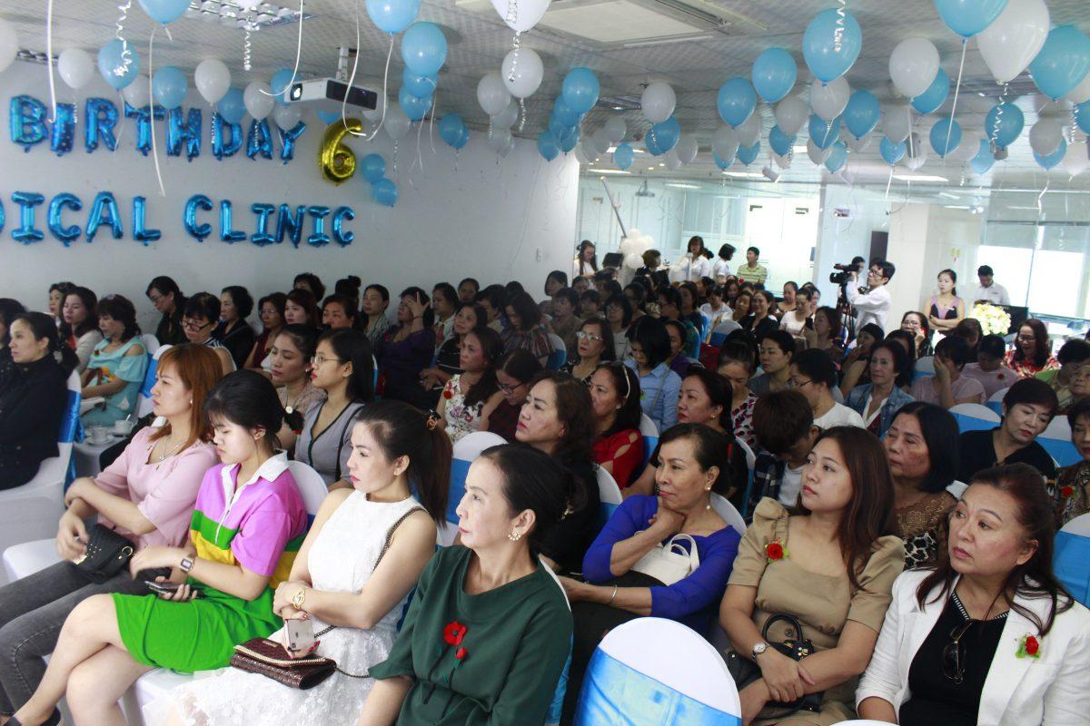 Hàng trăm khách mời tham dự sự kiện ra mắt Rocket Viba Vàng