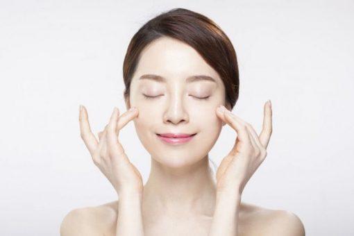 Mách bạn cách giữ độ ẩm cho da khô hiệu quả nhất