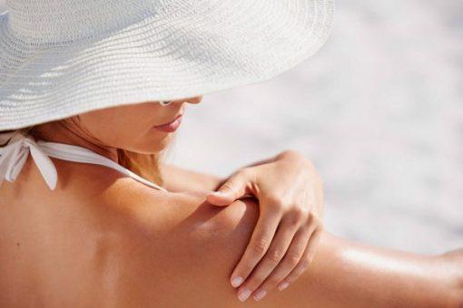 Vô lý hay không khi ngồi văn phòng vẫn cần chống nắng cho da?