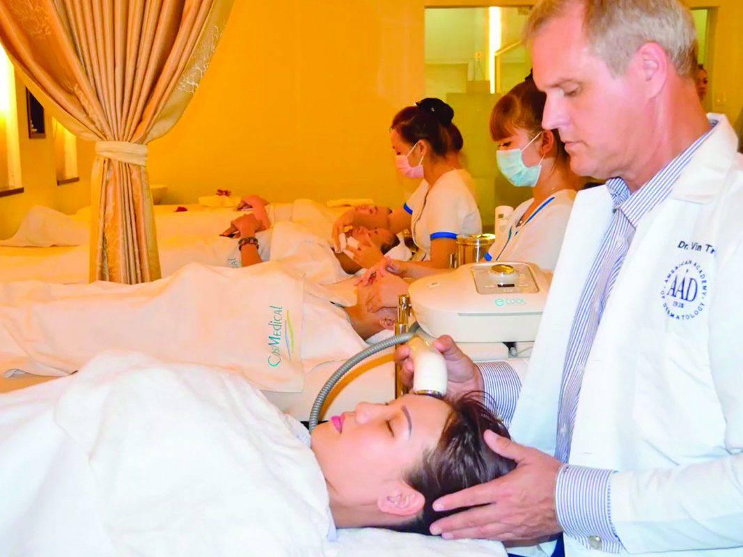 CosMedicalclinic.com chuyen gia nuoc ngoai 9 m 1067x800 1