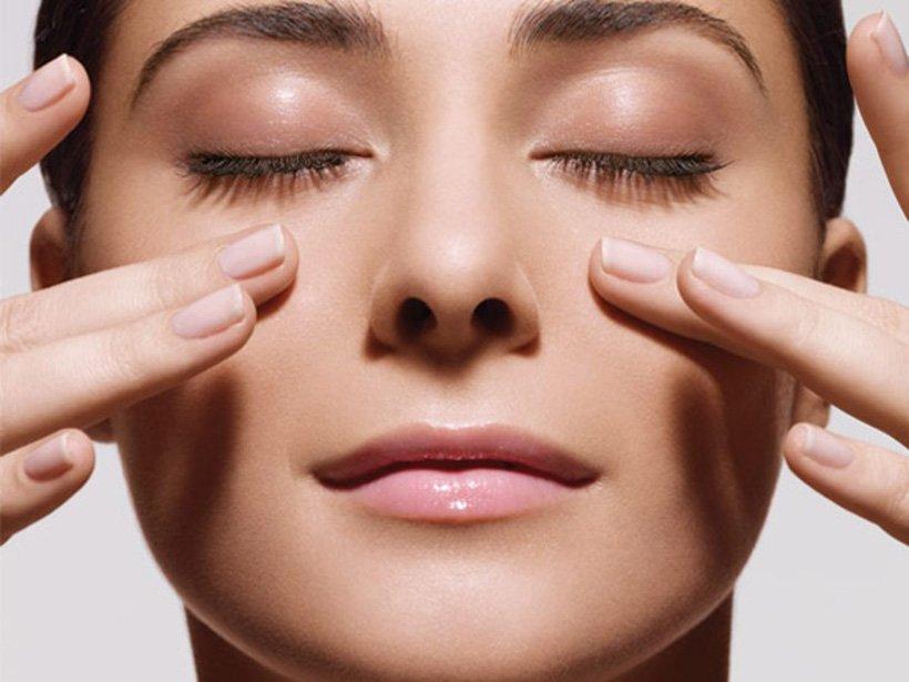 Tìm hiểu về cách chăm sóc da vùng mắt