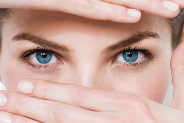 Giảm quầng thâm và bọng mắt với 5 biện pháp đơn giản