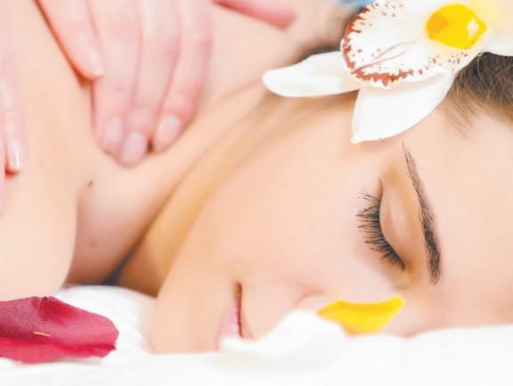 Massage thư giãn toàn thân